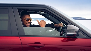Anthony Joshua celebrates the Range Rover's 50th... on ice